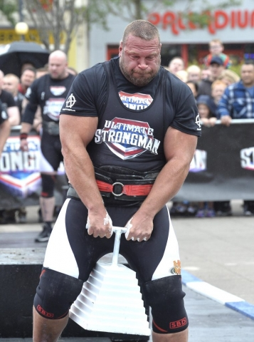 England's Terry Hollands, Ultimate Strongman Battle of Britain 2017.